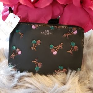 🆕️NWT COACH Cherry Pouch Wallet